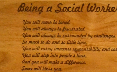 how to become a good social worker