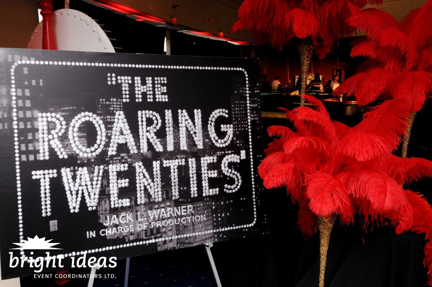 the roaring twenties in america People in america student union  american history: 'roaring twenties' a time of economic and social change  the nineteen twenties are remembered now as an exciting time that historians call .