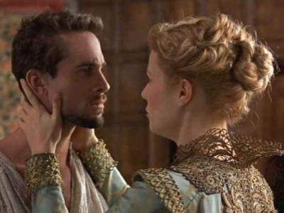 a review of shakespeare in love William shakespeare (joseph fiennes) is on a cold streak not only is he writing for philip henslowe (geoffrey rush), owner of.