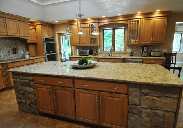 Kitchen cabinet quotes quotesgram for Kitchen cabinets york region