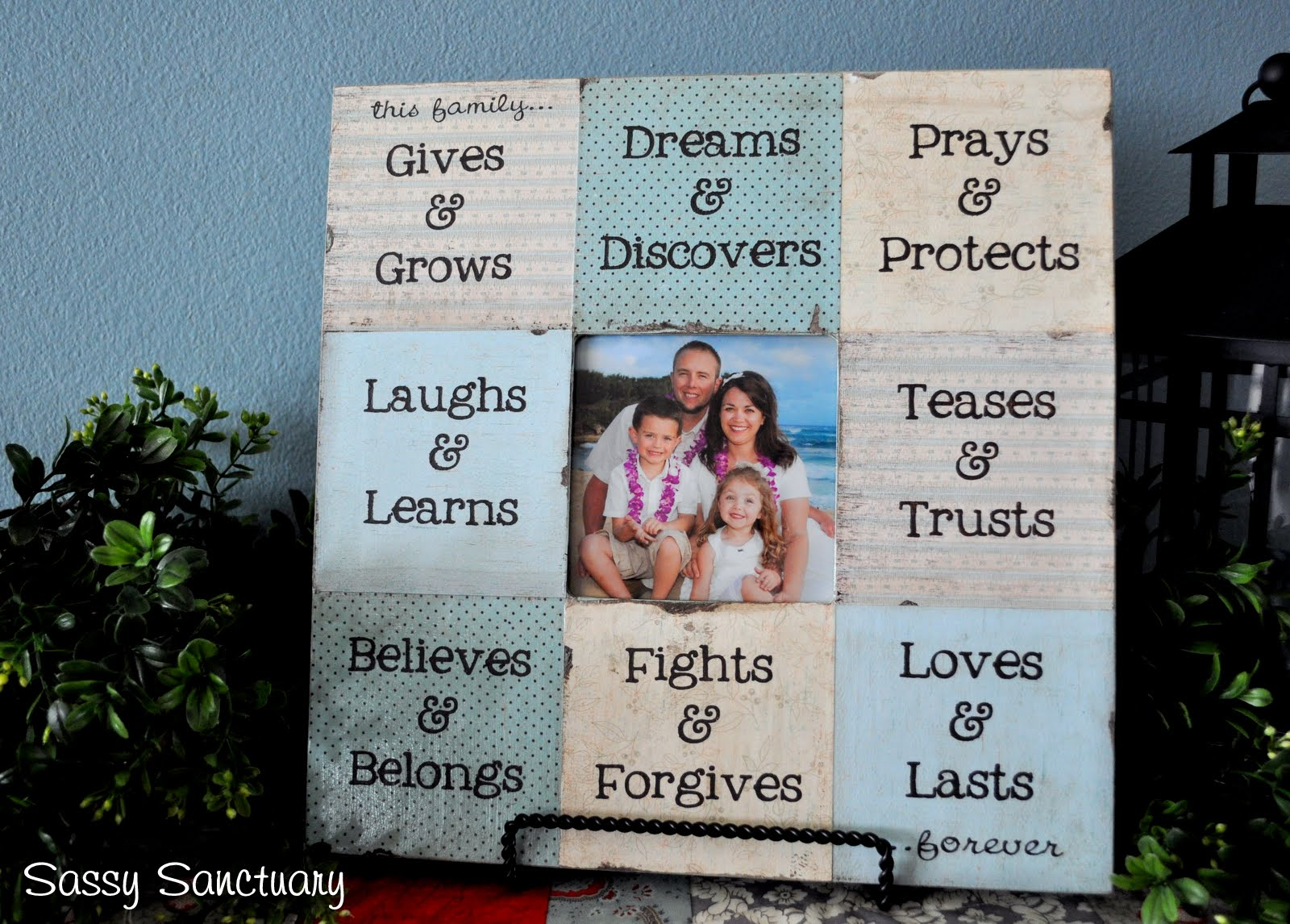 Frames With Quotes On Them: Family Quotes With Frames. QuotesGram