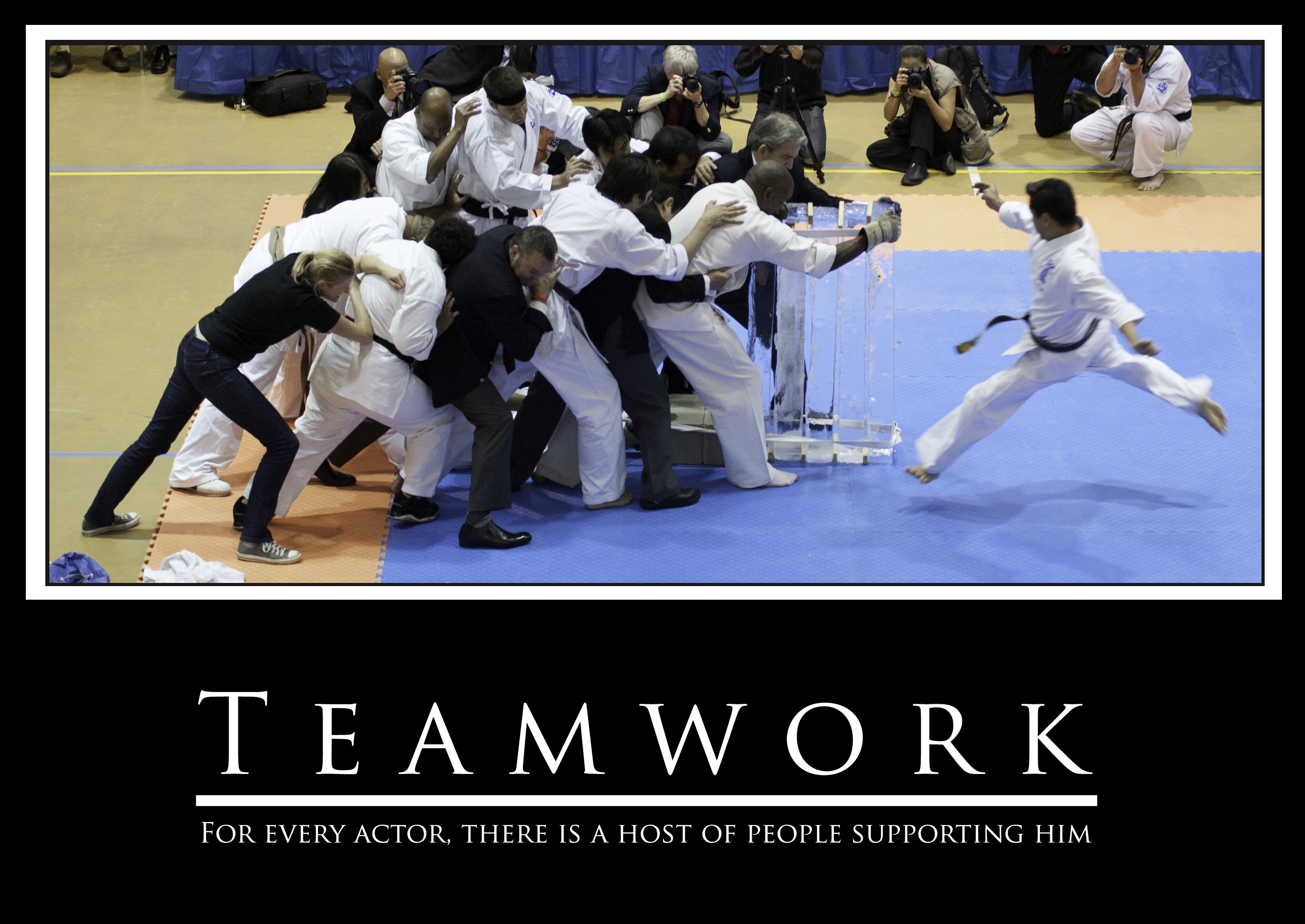Funny Team Quotes: Teamwork Family Quotes. QuotesGram