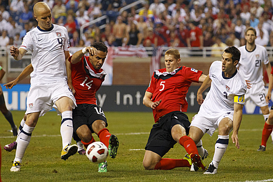 how to play defender in soccer