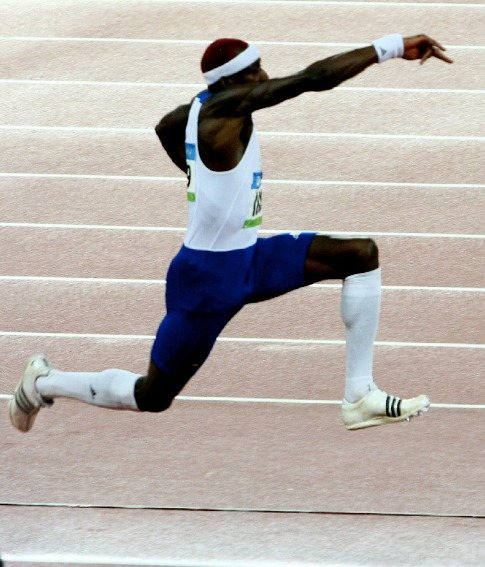 triple jump phase Jump phase and landing training plan for the triple jump start with the basic  movements by having the jumper hop, step and then jump from a standing start.