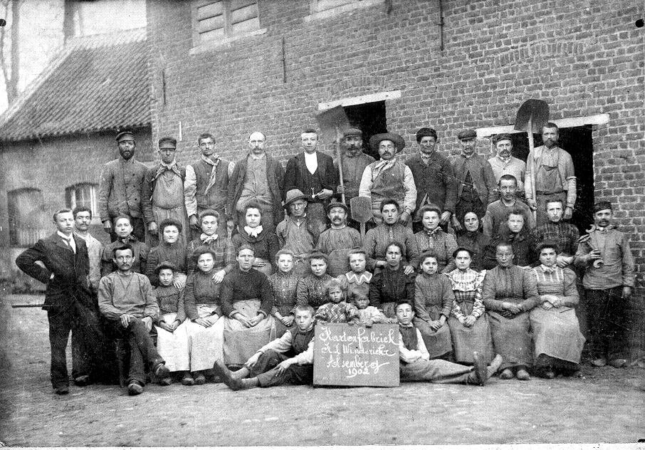 the changes in womens role during the industrial revolution The industrial revolution  during the late 18th and  copper and steel industries played an important role in changes to the country's infrastructure and in.