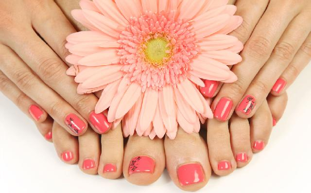 Manicure Quotes And Sayings: Manicure Pedicure Quotes. QuotesGram