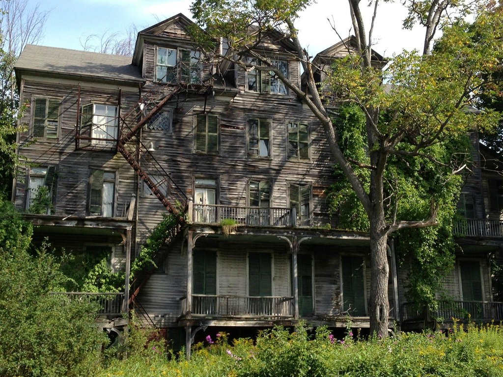 Quotes About Haunted Houses: Quotes About Abandoned Houses. QuotesGram