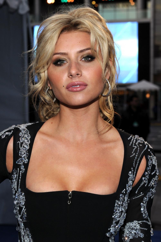 Nackt  AJ Michalka Actress Aly