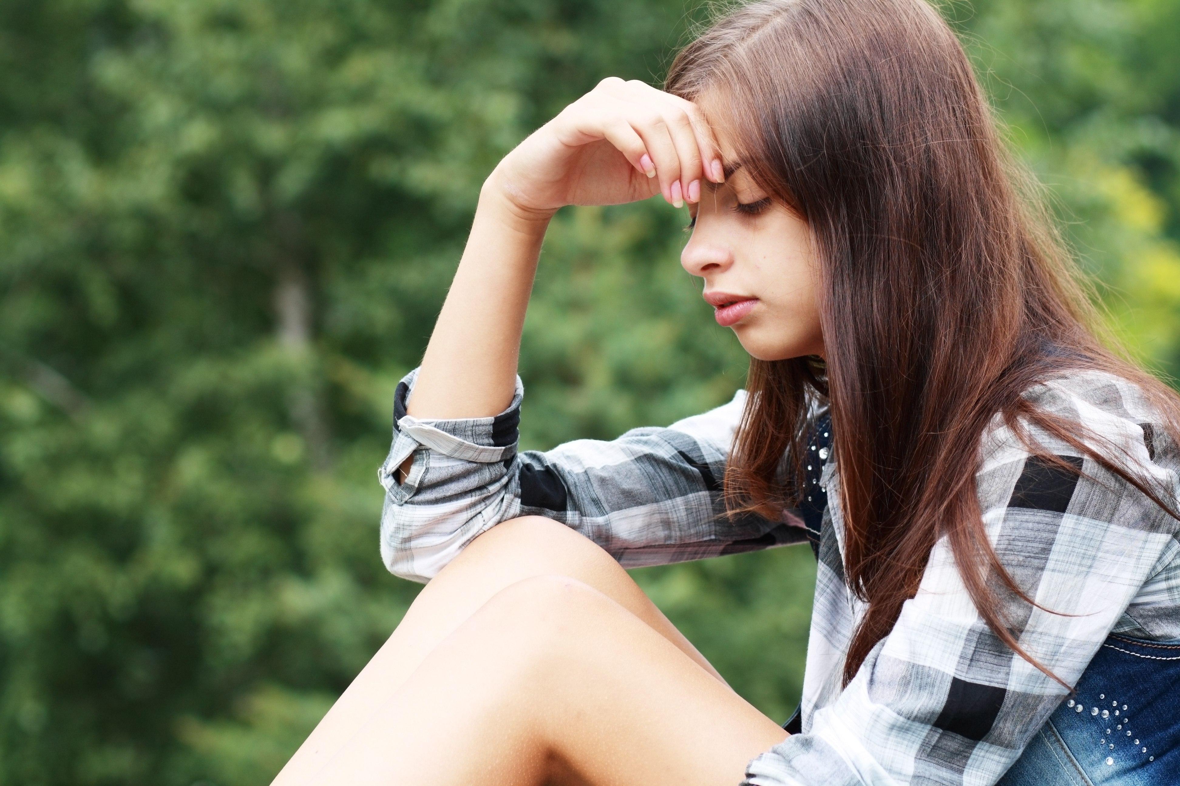 Sad Teenage Girl Quotes Quotesgram-4893