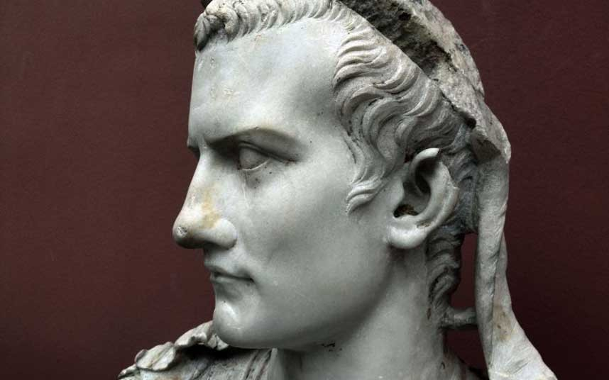 the distinctions of william shakespeares julius caesar and real life Unit 5: julius caesar by william shakespeare the play, julius caesar, is a fictionalized accounts of the real character and life of julius caesar.