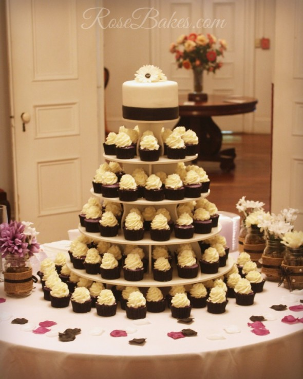 Wedding Cupcake Tower: Quotes Black And Red Big Bows. QuotesGram