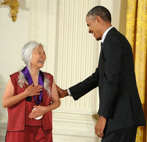 maxine hong kingston The daughter of chinese immigrants, maxine hong kingston grew up in california her first book, the woman warrior, blended fiction, memoir and myth in innovative ways.