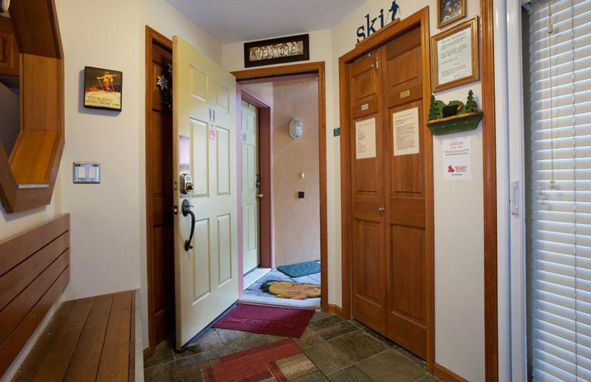 Foyer Mudroom Quotes : Wall quotes above entryway closet quotesgram