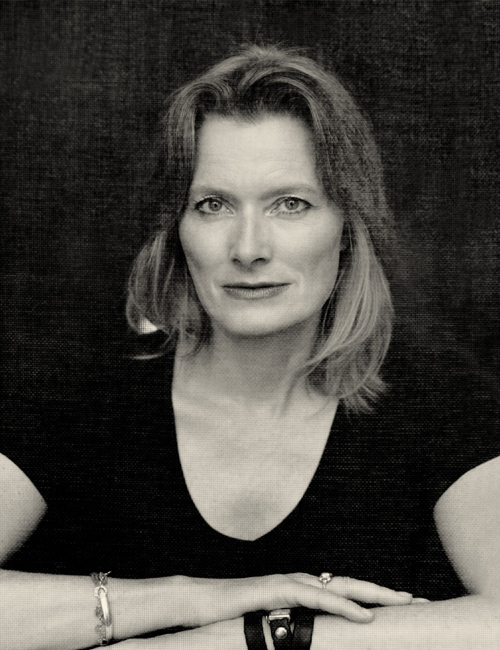 look at me jennifer egan Free essay: the industrial revolution rapidly altered the rate of human achievement steam trains were first used in the 1820's and remained the primary mode.
