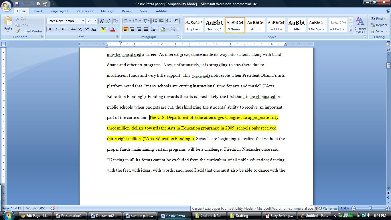 Are essays underlined or quoted
