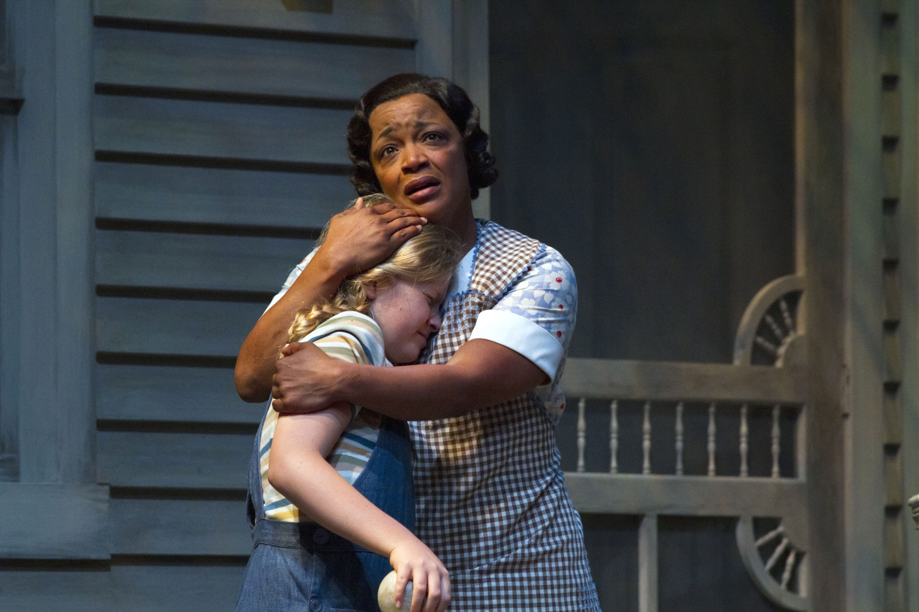 women in to kill a mockingbird In 'to kill a mockingbird' a recurrent theme is scout's hatred of the gracious, ladylike, well-mannered role which her aunt tries to inflict upon her scout rejects her feminine ways and name of jean -louise, and prefers her male nickname, scout.