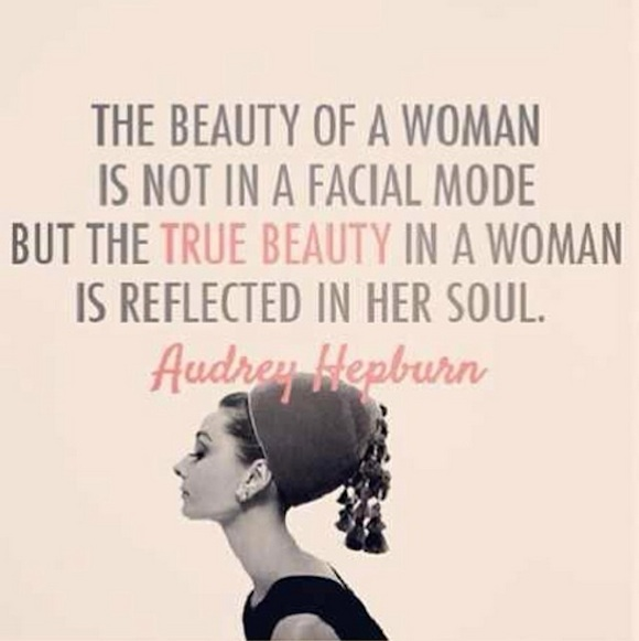 Smart Pretty Girl Quotes: Beautiful Intelligent Women Quotes. QuotesGram