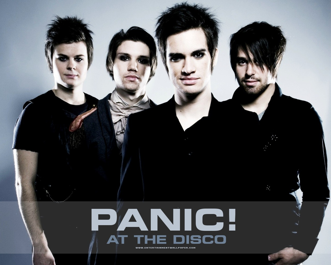 1177025404 panic at the disco01