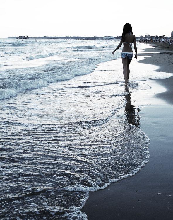 walks on the beach quotes quotesgram