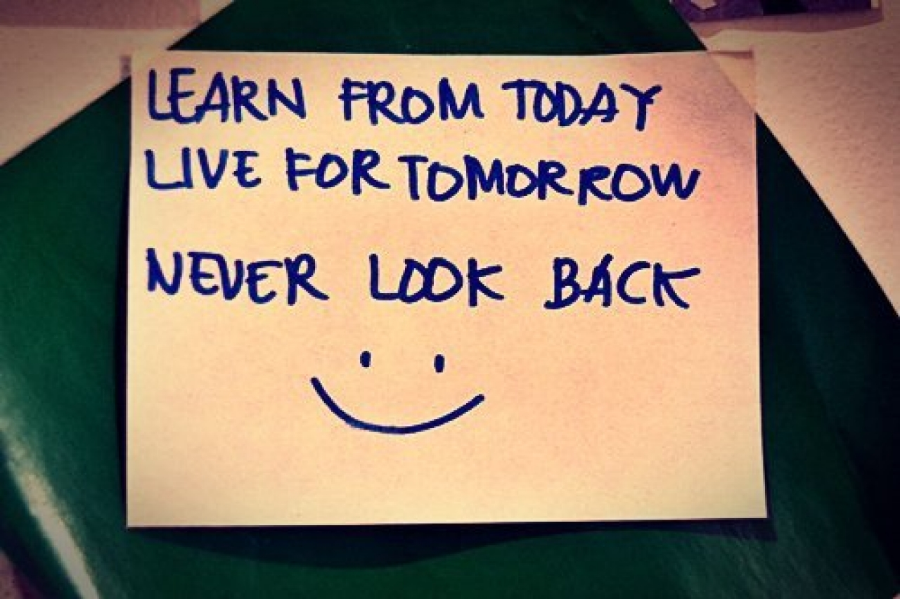 When I Look Back Quotes: Quotes About Never Looking Back. QuotesGram