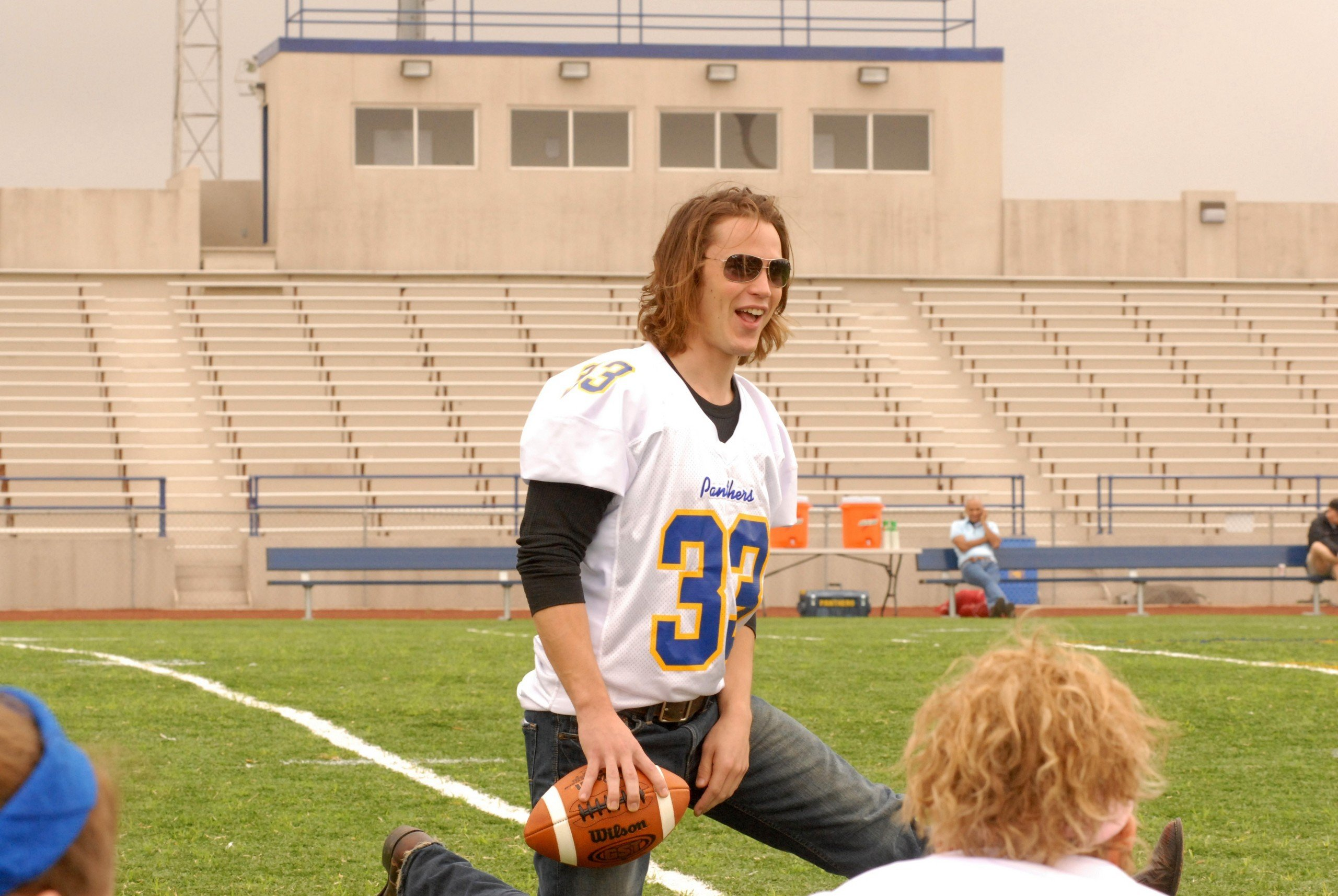Top 12 episodes of 'Friday Night Lights' to watch before it leaves Netflix