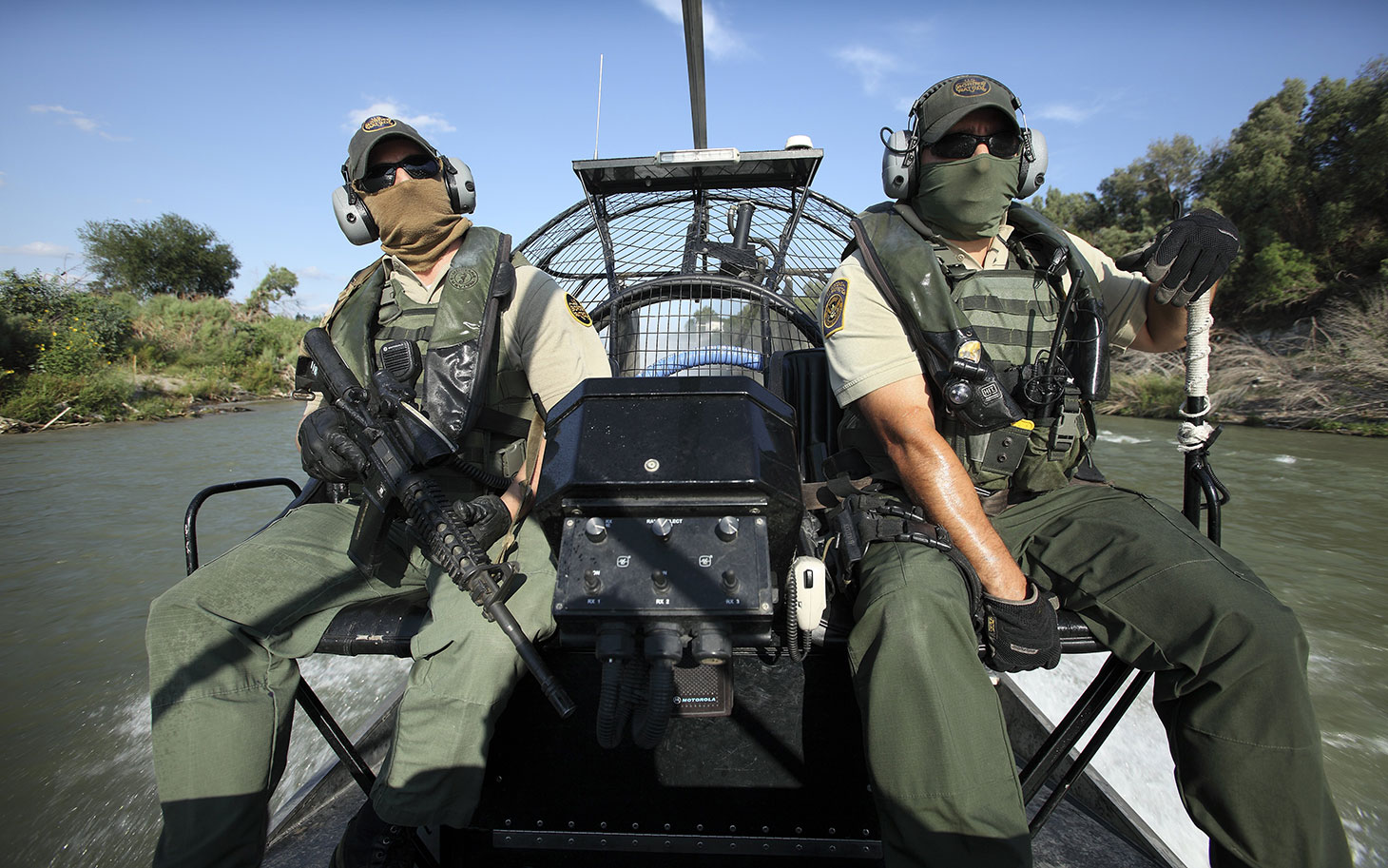 the role of the us border patrol in the fight against illegal immigration and drugs When border patrol agents violate the rights of us residents they have stepped up protests against a border patrol road checkpoint the dozens of other interior permanent or temporary checkpoints in arizona and across the us are legal and play a vital role in reducing illegal.