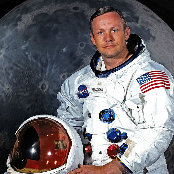 Iconic Photos of Neil Armstrong, the First Man on the Moon ...