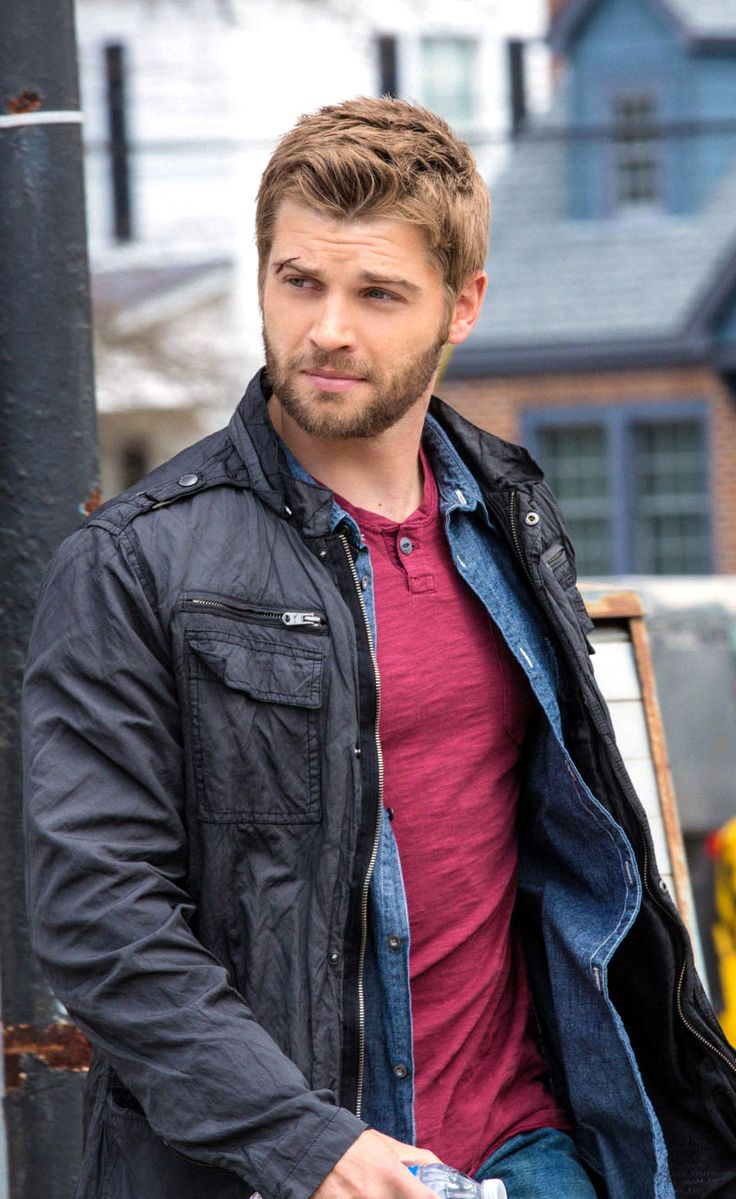 mike vogel gif