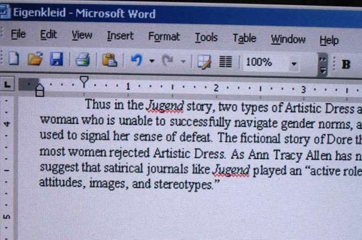 how to manually add footnotes in word