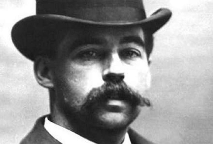h h holmes Topics in chronicling america - hh holmes and the murder castle america's first prolific serial killer designed a castle of crime with only murder and malice in mind.