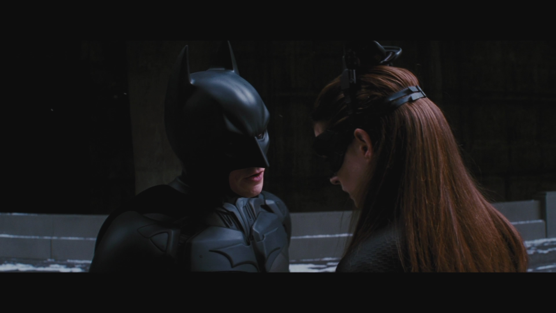 bruce wayne and selena kyle relationship help