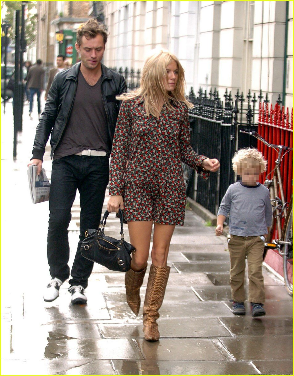 Jude Law and Sienna Miller are going to start living together 15.12.2009 34