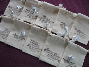 SET OF 25 Famous Love Quotes Muslin Wedding Favor Bags or Candy Buffet ...
