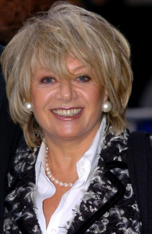 Elaine Paige Singer Arrives...