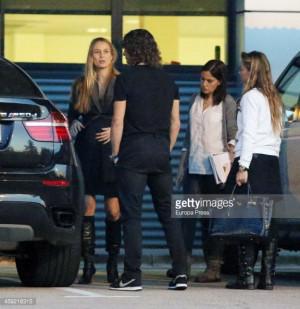 Carles Puyol and Vanessa Lorenzo Sighting In Barcelona - December 18 ...