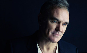 Morrissey's band wear 'Fuck Harvest' T-shirts onstage in reference to ...
