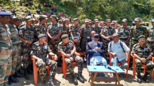 2015 Nepal earthquake Nepal Sushil Koirala meets Indian Army at Barpak ...