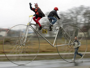 ://www.funnyjunksite.com/pictures/funny-sports-pictures/funny-cycling ...