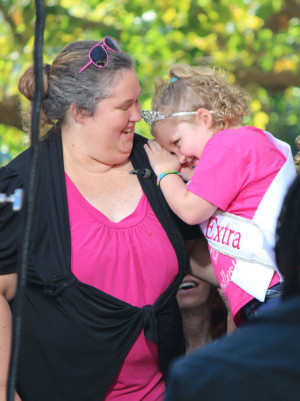 ... Comes Honey Boo Boo' stars Alana Thompson & June Shannon stop by