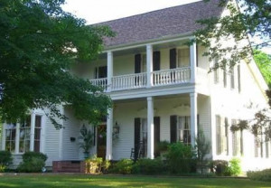 The Meek-Duvall-Doty House was William Faulkner's first home in Oxford ...
