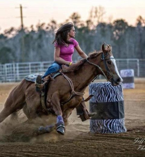 Barrel Racing Girl Use The Knifty Knitter For A Beanie Without Brim ...