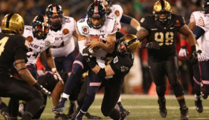 Navy Wins 115th Army Navy Game And 13th In A Row 17 10