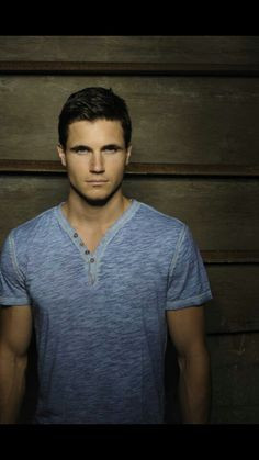 Robbie Amell Quotes