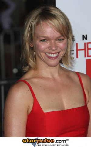 Lauren Bowles Pictures And Photos