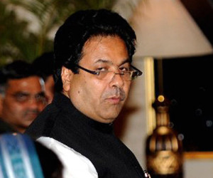 Rajeev Shukla quits as IPL chief