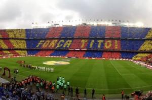El Camp Nou homenajea a Tito Vilanova con un espectacular mosaico