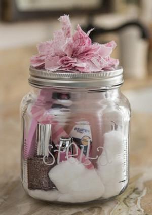 10 DIY MASON JAR GIFT IDEAS