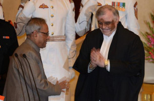 Chief Justice of India Justice P Sathasivam being greeted by President