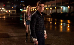 Tom Cruise and Alexia Fast in Jack Reacher.