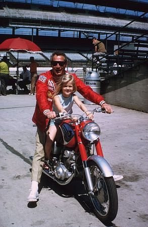 Paul Newman with daughter Melissa, on location at Indianapolis Motor ...
